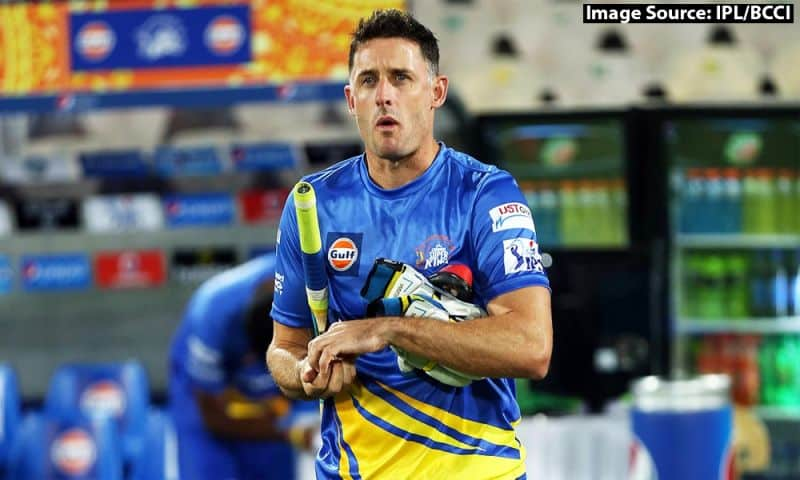 Vivo IPL 2021: CSK's L Balaji and Michael Hussey airlifted to Chennai in an air ambulance for the quarantine